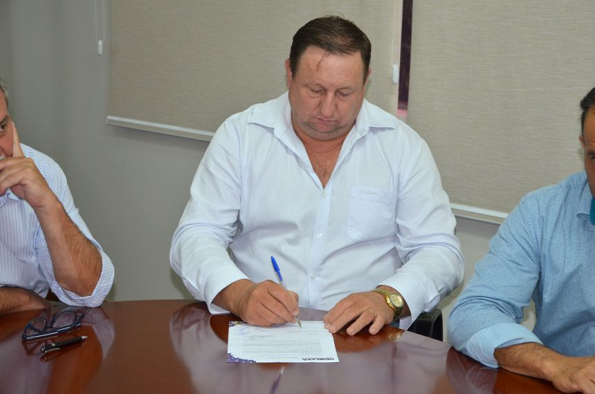 Assinada ordem de serviço para recape asfáltico nas ruas do Conjunto JK