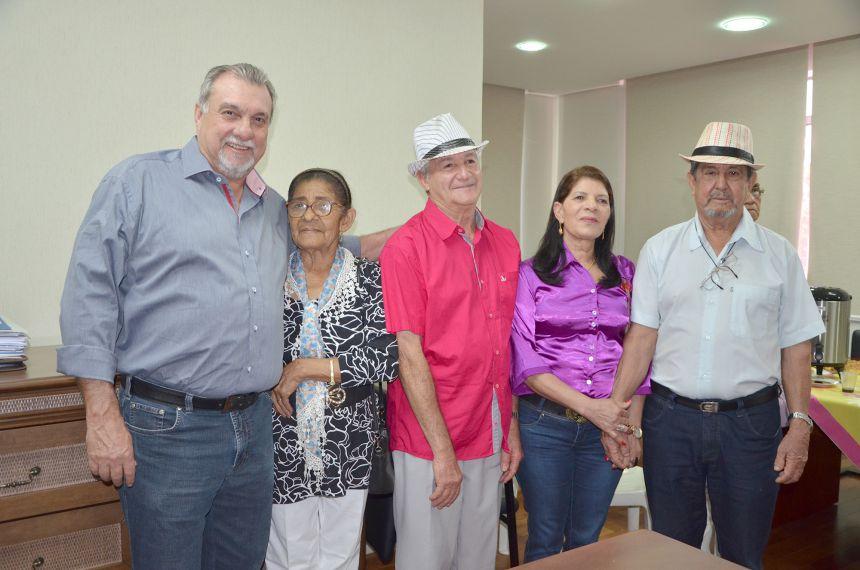 Comemoração do Dia do Idoso com café da manhã no gabinete do prefeito