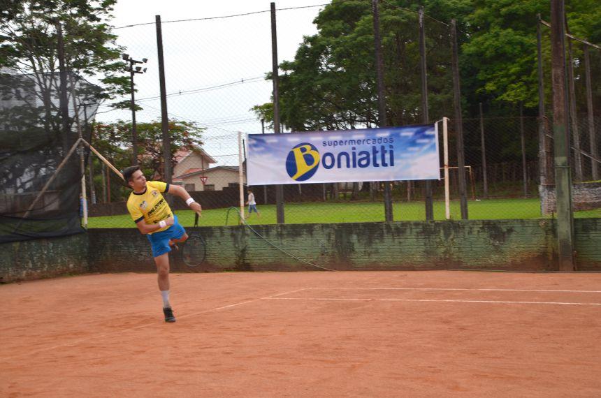 Disputa da modalidade Tênis no JAMUs 2018