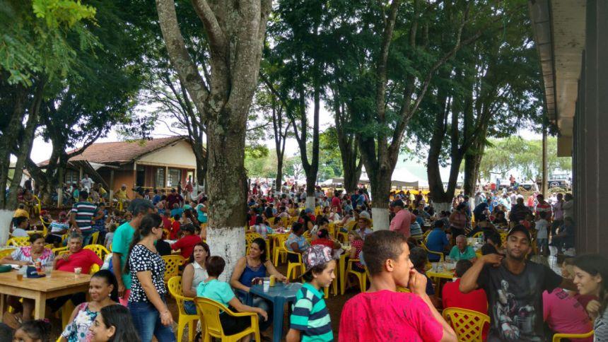 Comunidade São Cristóvão celebra Dia de Reis com grande festa popular