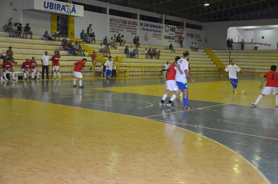 Sete equipes disputam a competição na categoria sênior