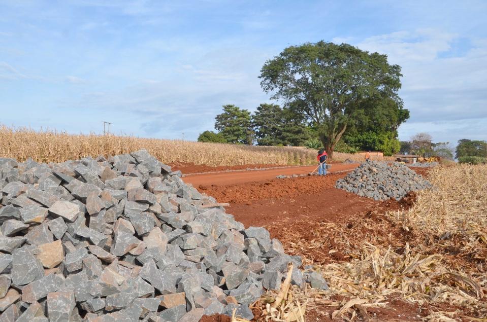 Na Estrada Caviúna a pavimentação chegará até a Comunidade Três Placas