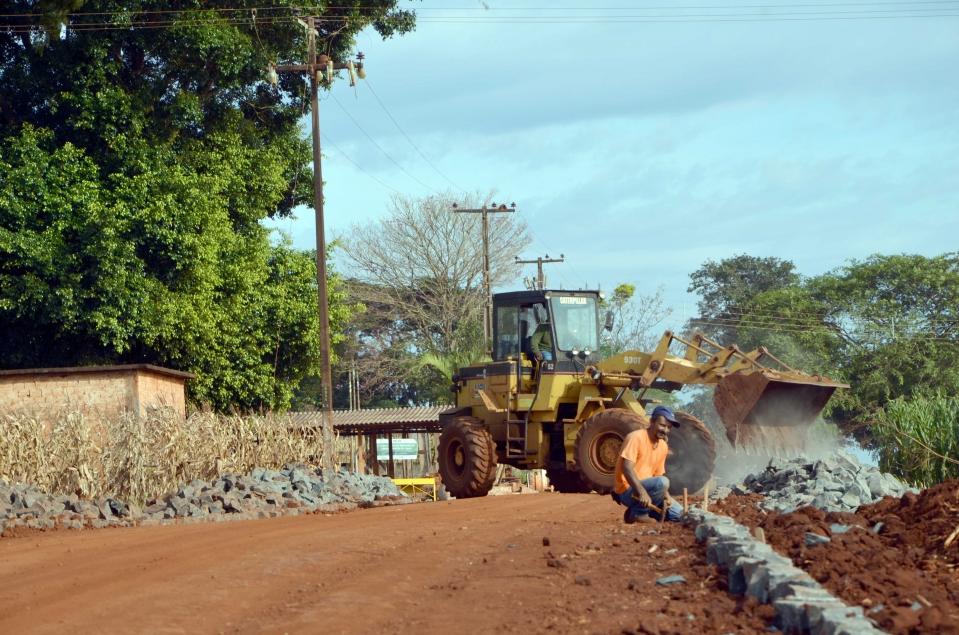 A pavimentação na Caviúna começou a ser feita no sentido Três Placas à cidade