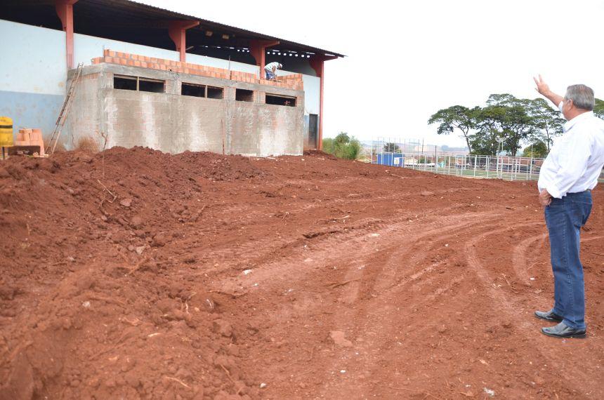 Prefeito Baco vistoriou obras no distrito de Yolanda