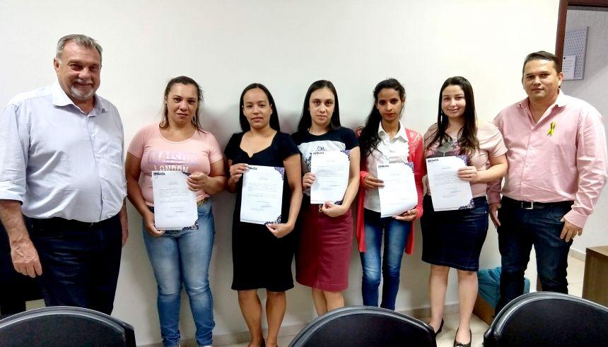 Mais cinco servidores aprovados em concurso tomaram posse em Ubiratã