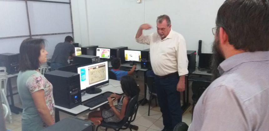 Prefeito Baco acompanha atividades diferenciadas que acontecem no Curumim de Yolanda