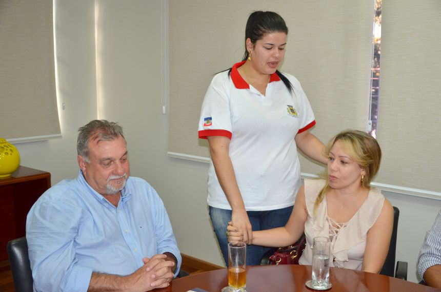 Emoção, lágrimas e homenagens marcou despedida da médica cubana