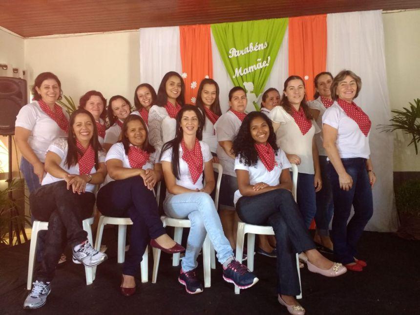 Comemoração do Dia das Mães no CMEI Nosso Lar