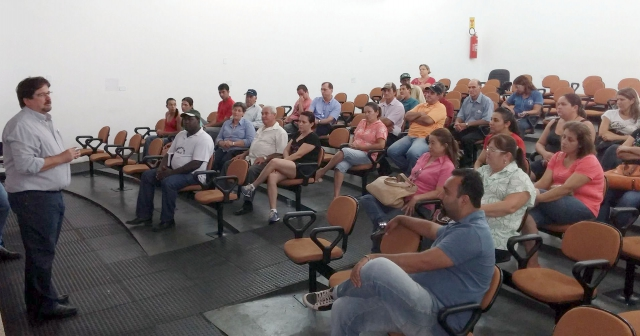 O secretário de Desenvolvimento Econômico, Antônio Hideraldo Magron, deu as boas vindas aos presentes