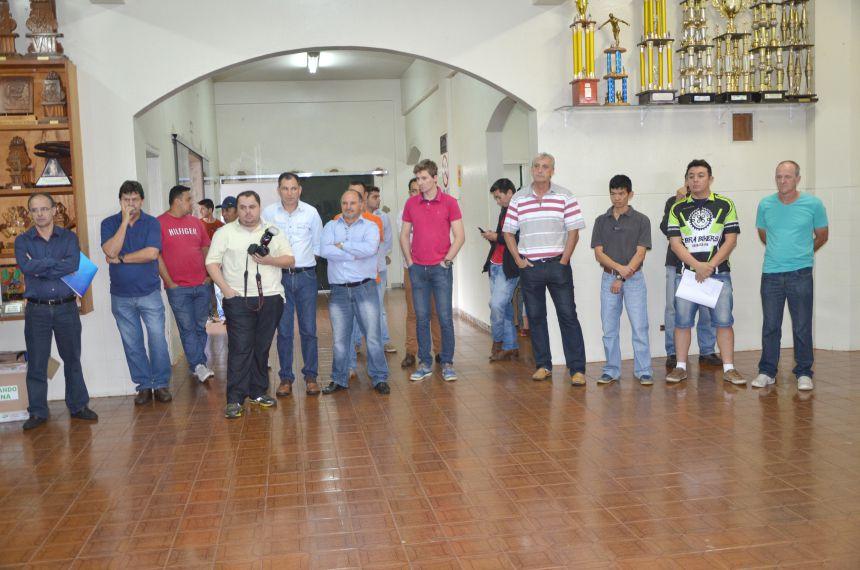 Kits esportivos do programa Paraná Mais Esporte foram entregues em Ubiratã