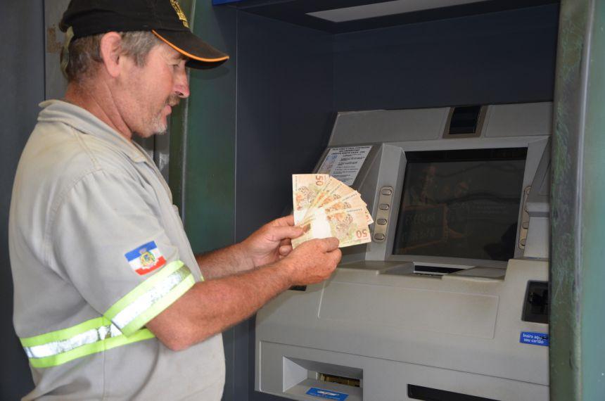 13º salário do funcionalismo e folha salarial antecipada irá injetar mais de R$ 4 milhões na economia do município