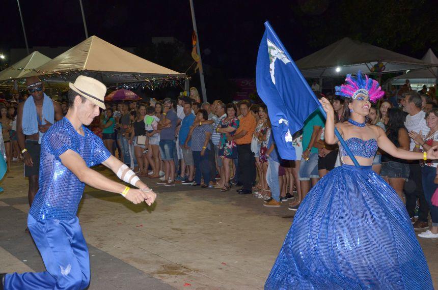 Muita folia e agitação na noite de segunda-feira do Carnaval da Seringueira