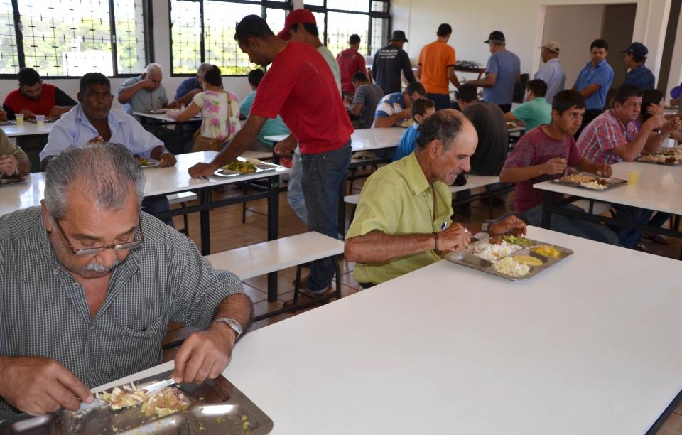 O Restaurante Popular oferece refeições saudáveis e com preço acessível