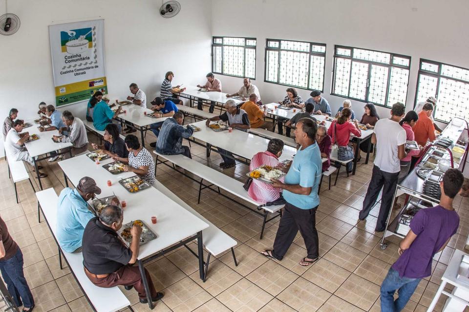 As refeições são produzidas em sua maioria com produtos adquirido do Programa Compra Direta da Agricultura Familiar
