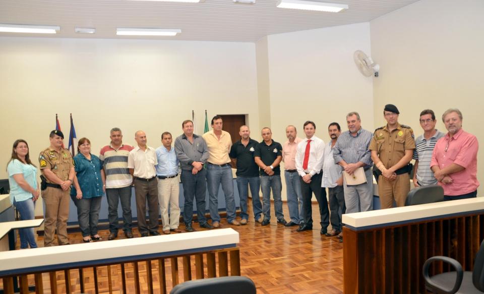 Autoridades presentes à reunião que tratou sobre segurança pública