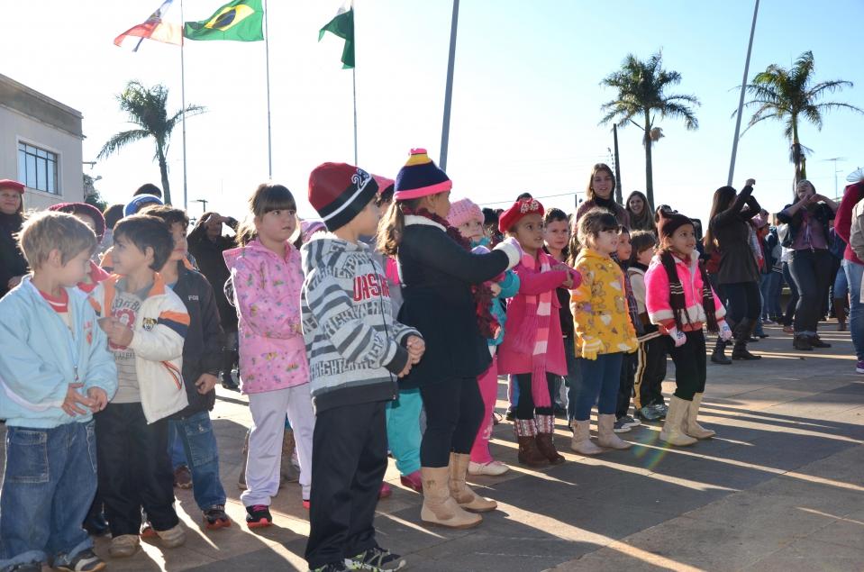 As crianças ubiratanenses participam do Dia do Desafio