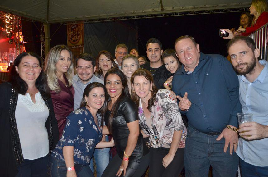 Show com a dupla Munhoz e Mariano encerrou a edição 2017 da Expobira