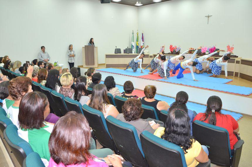 Seminário ODS é realizado em Ubiratã: Dra. Deisi ministra palestra para convidados da região e instituições locais