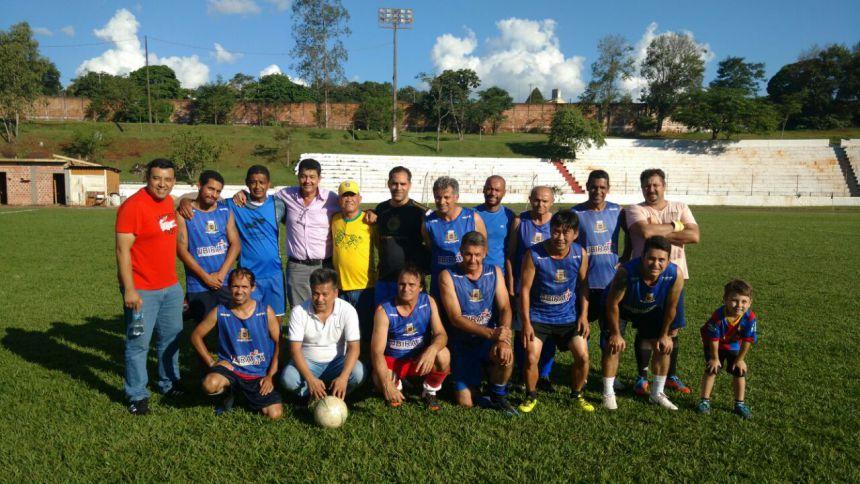 Atletas veteranos estão disputando a 1ª Copa de Futebol Amigos do Hideo