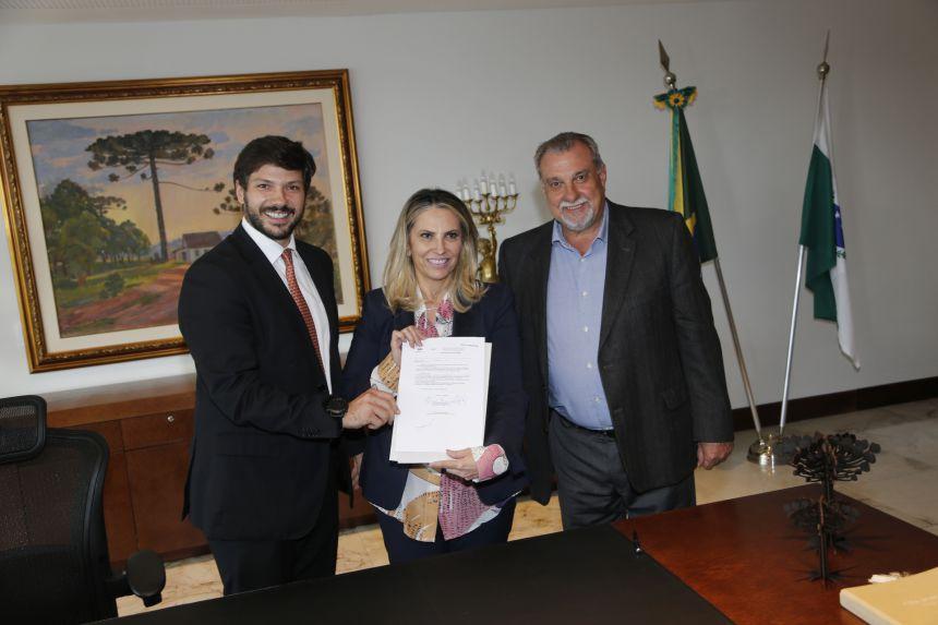 Ubiratã recebeu do Governo do Estado recursos para execução do projeto Meu Campinho