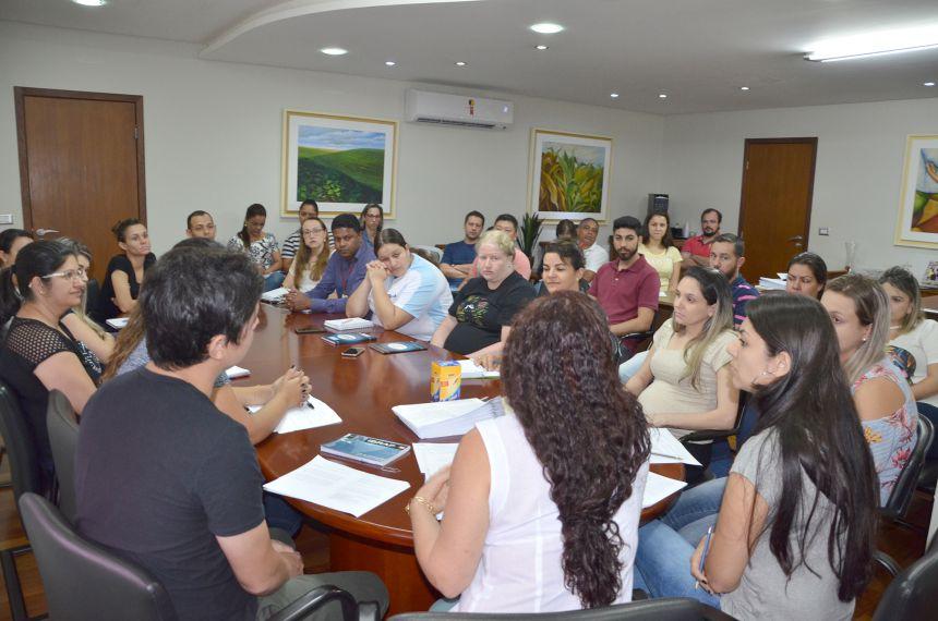 Divisão de Licitação realizou reunião com servidores técnicos do município