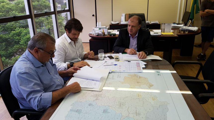 Ubiratã recebe recursos para aquisição de maquinário