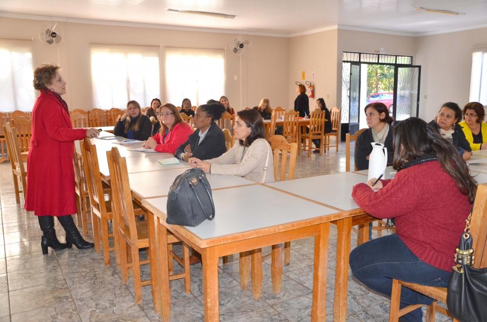 Shirley Piccioni, integrante do Conselho Estadual de Educação do Paraná e do Grupo de Apoio Educacional ? GAE assessorou os trabalhos