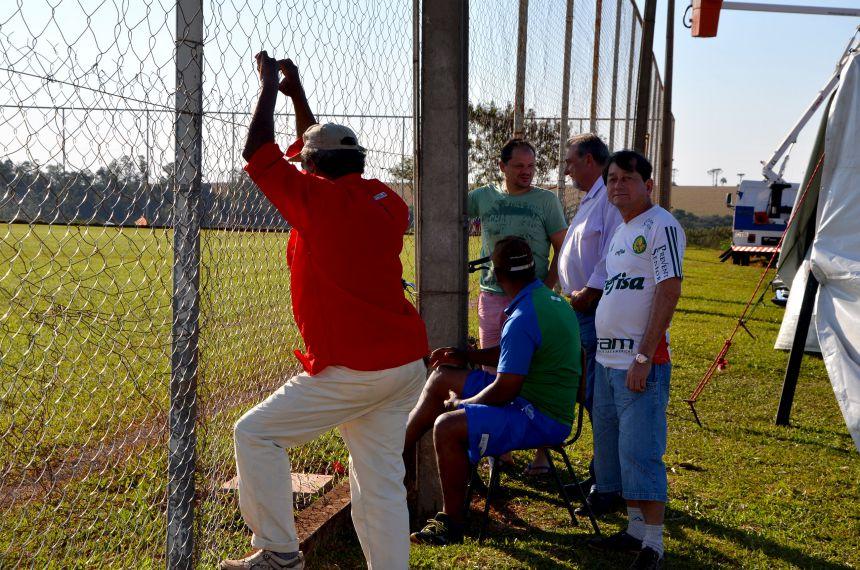 Prefeito e secretário de esportes visitam locais de competição dos Jogos da Juventude