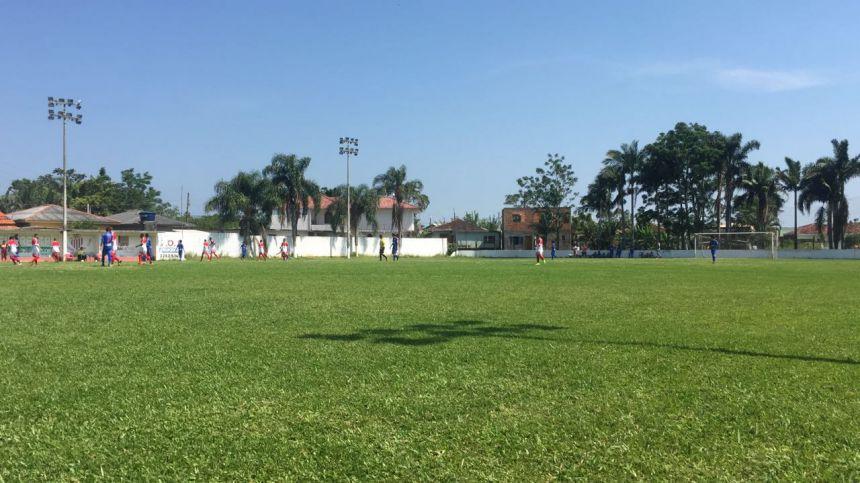 Equipe de futebol sub 17 de Ubiratã participa de torneio em Santa Catarina