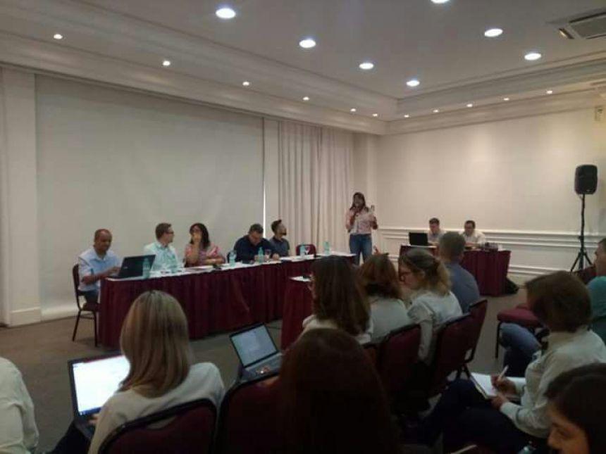 Cristiane Pantaleão participa de evento em Curitiba; secretário Michelle anuncia mais um veículo para Ubiratã