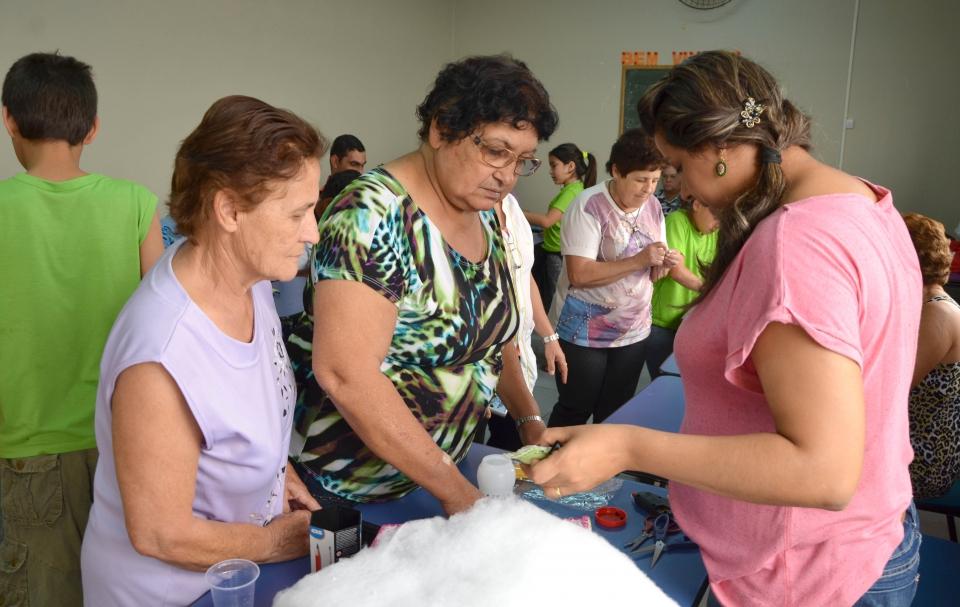 Cada aluno do Programa Paraná Alfabetizado recebeu um Kit para confeccionar um chaveiro
