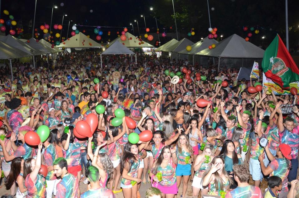 Em 2015 a expectativa é que mais blocos e consequentemente mais pessoas participem do carnaval