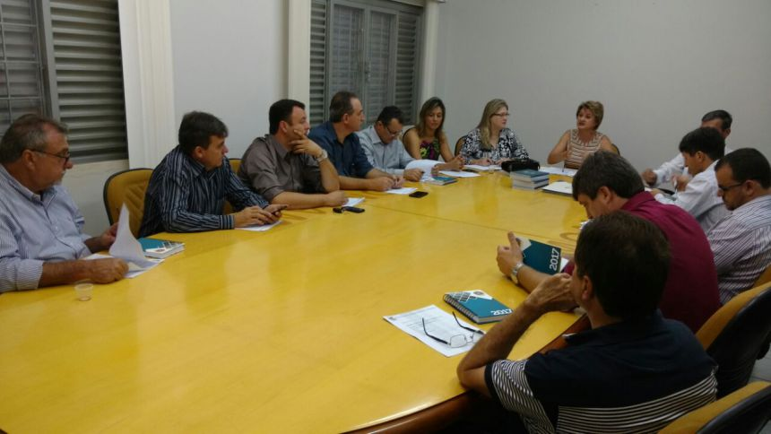 Baco participa de reunião na Comcam e evento com Governador Beto Richa
