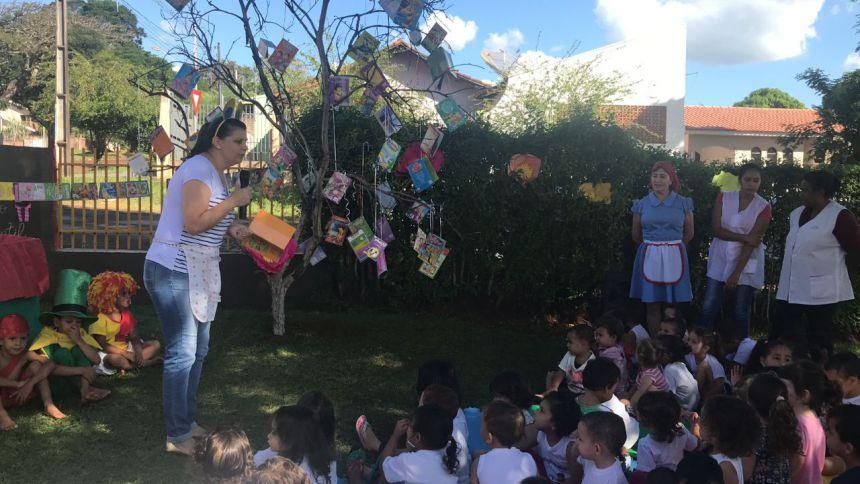 CMEI Nosso Lar desenvolveu atividades referentes ao Dia Nacional do Livro Infantil e ao Dia do Monteiro Lobato