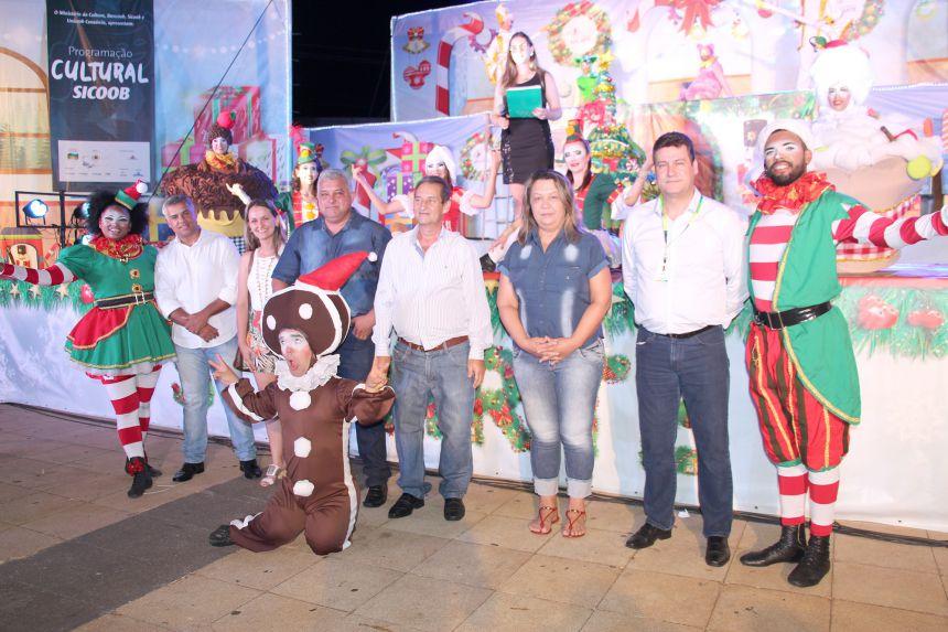 Ubiratanenses se encantaram com espetáculo cultural promovido pelo Sicoob