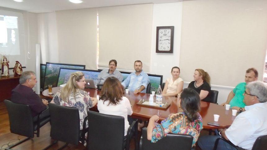 Prefeita de Roncador visita Ubiratã para conhecer as experiências do município relacionadas aos ODS