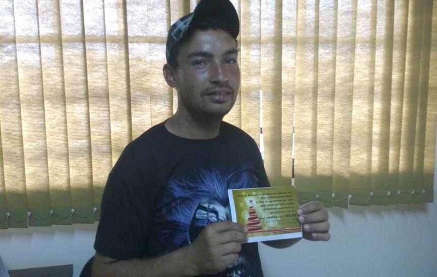 Garis recebem presentes de natal pelo reconhecimento do trabalho prestado