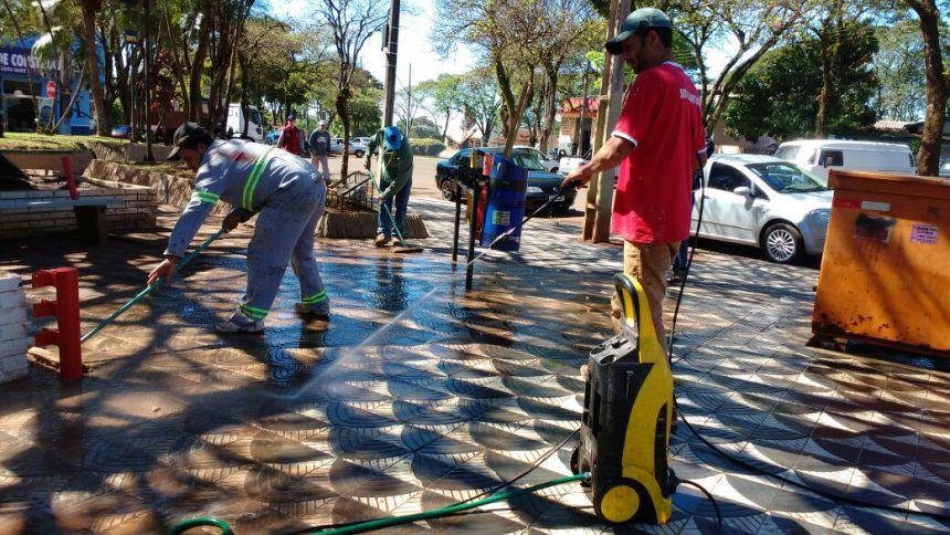 Praça 4 de Novembro passa por melhorias