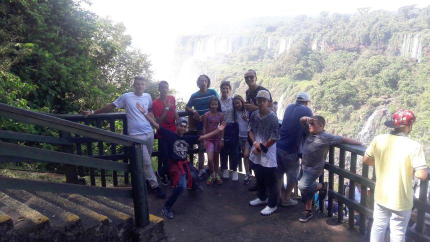 Passeio às Cataratas e Parque das Aves com as crianças e adolescentes atendidas no CRAS e no CREAS