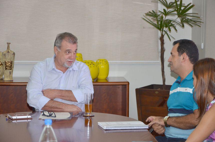 Deputado Adelino Ribeiro destina recurso para recape asfáltico sobre pedras poliédricas em estrada