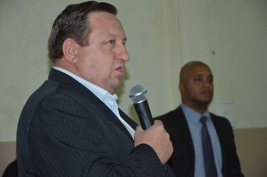 Confraternização entre amigos marcou despedida do delegado Luiz Claudio Alves