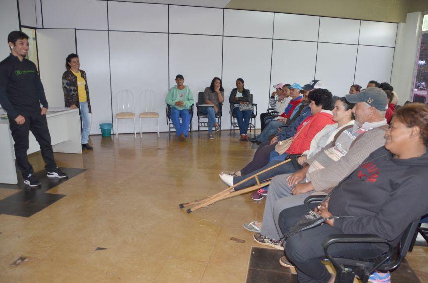Catadores de materiais recicláveis e servidores que trabalham na coleta seletiva participam do Programa Ecocidadão Paraná