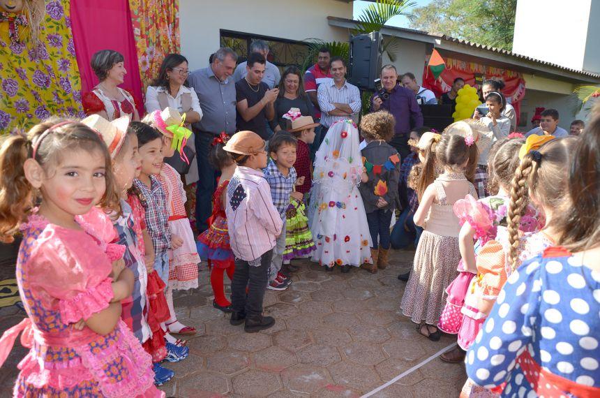 Festa Junina do CMEI Nosso Lar animou crianças, familiares e convidados