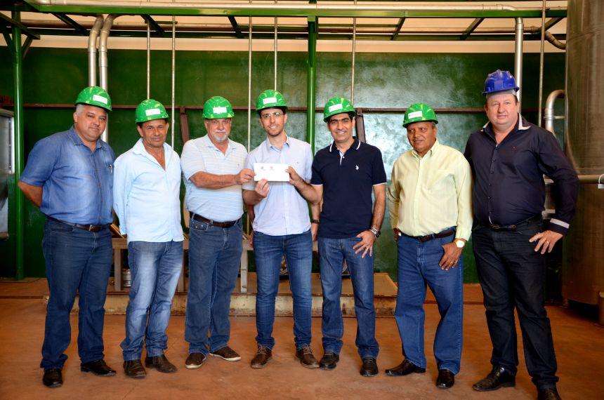 Ubiratã conta com uma nova indústria de processamento de alimentos; prefeito e vereadores visitaram as instalações