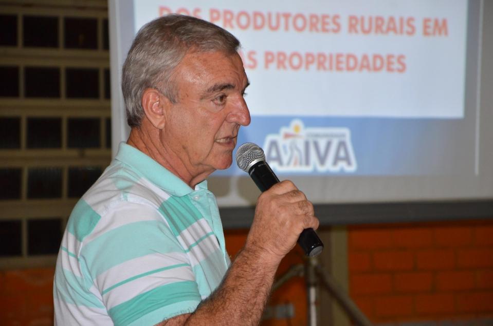 O secretário de Serviços Rurais, Nilson Messa explicou aos agricultores como funciona esse programa