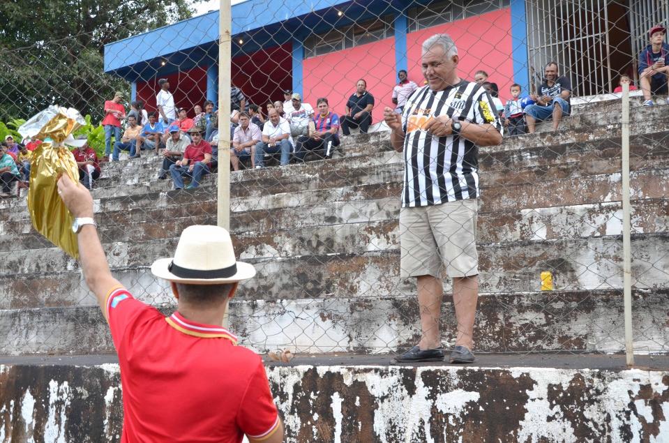 A bola rolou no Estádio Claudinão ne