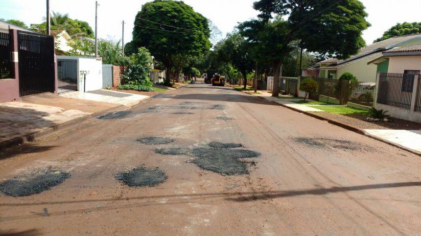 Operação tapa buracos chega ao Jardim São Vicente