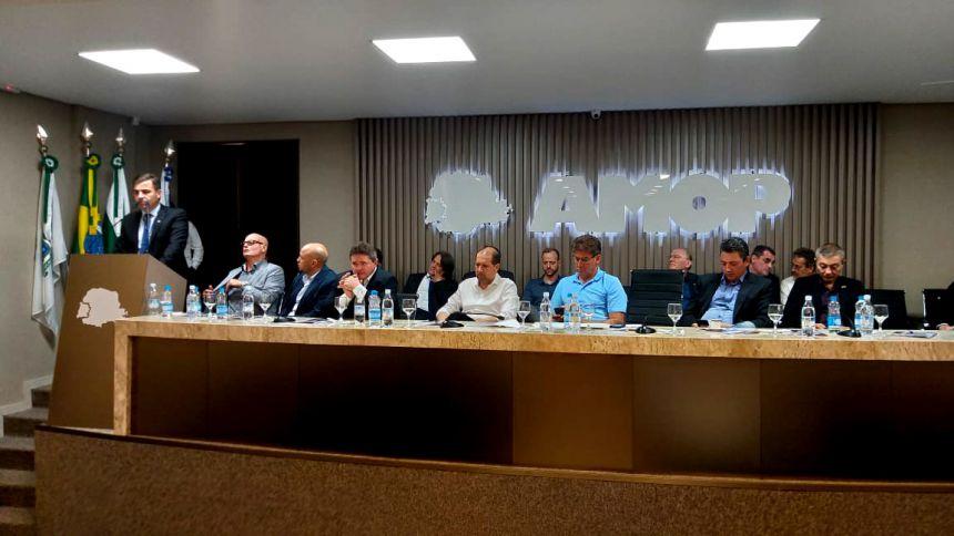Baco participa de solenidade que elegeu prefeito de Jesuítas como novo presidente da Amop