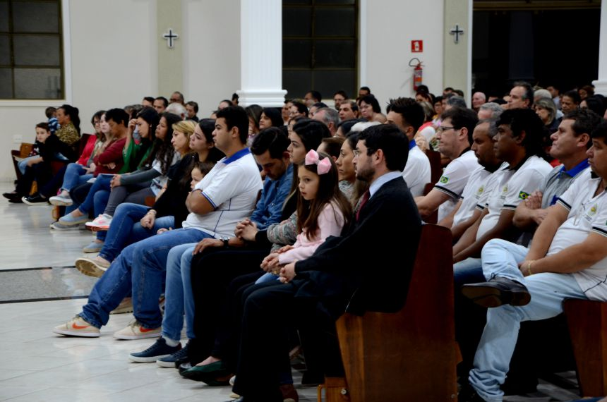 Missa de sétimo dia de Nil Pereira emociona a todos