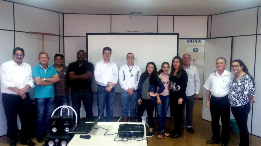 Palestra sobre empreendedorismo rural comemorou o Dia do Agricultor em Ubiratã
